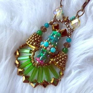 Stunning Vintage Hand Beaded Necklace